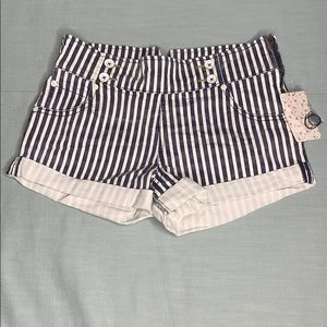 Free People ✌🏽 striped shorts Size 26